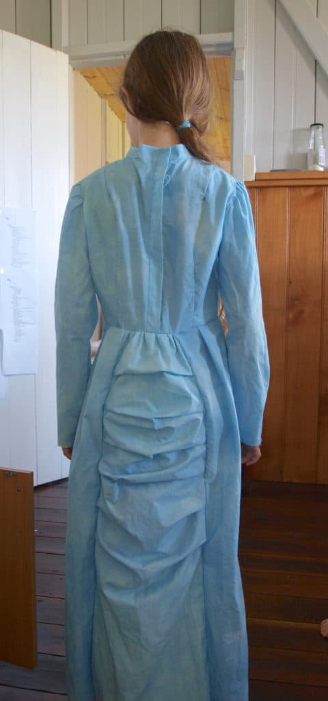 Yes, my nine year old daughter really did make a bustle dress, and she wore it everywhere with pride.