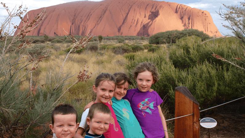Travelling homeschooled kids at Uluru